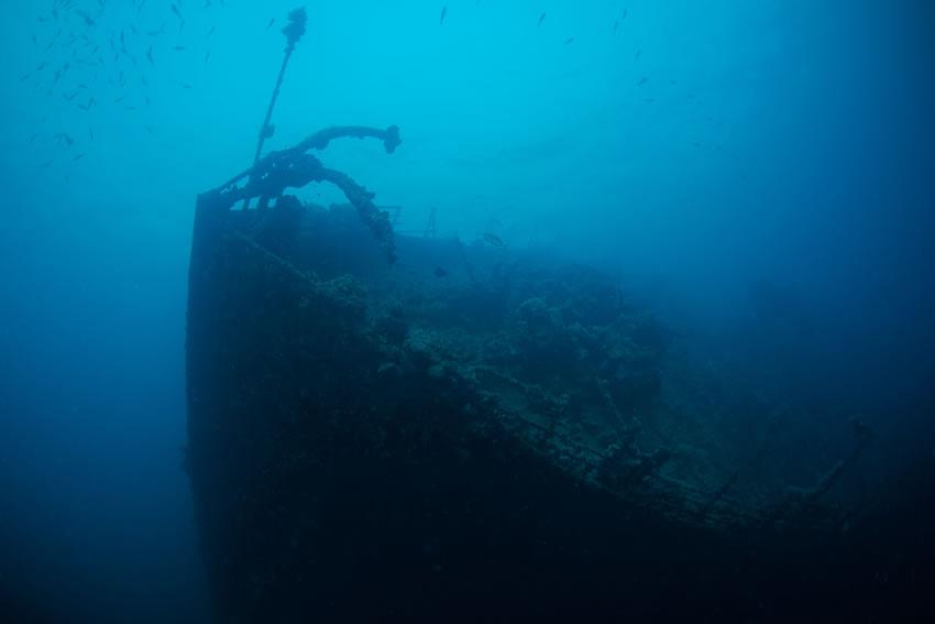 LR-Wreck_of_Umbria_Red_Sea_(Sudan)(Copyright-shutterstock_398987173)_012