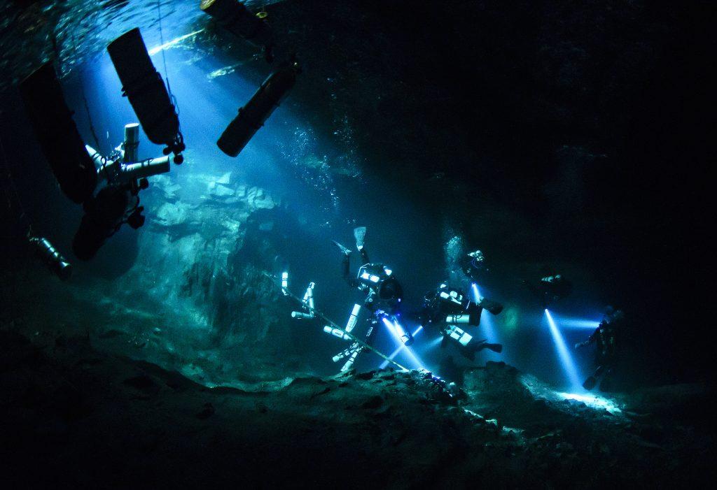 inngangspartiet under vann.