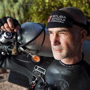 Ivan Karadzic - mit livs dyk - drengene i Grotten